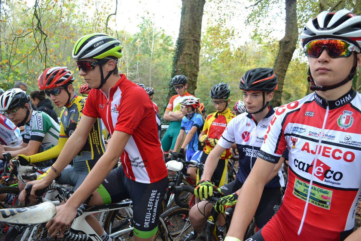 Les autres lignes au départ des coureurs Cadets.