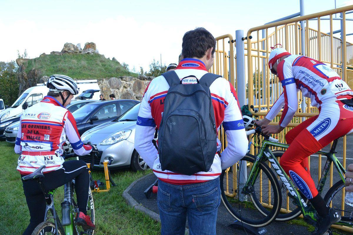 et échauffement des cadets de l'US Métro; Jules FERNANDES et Florian RICHARD ANDRADE.