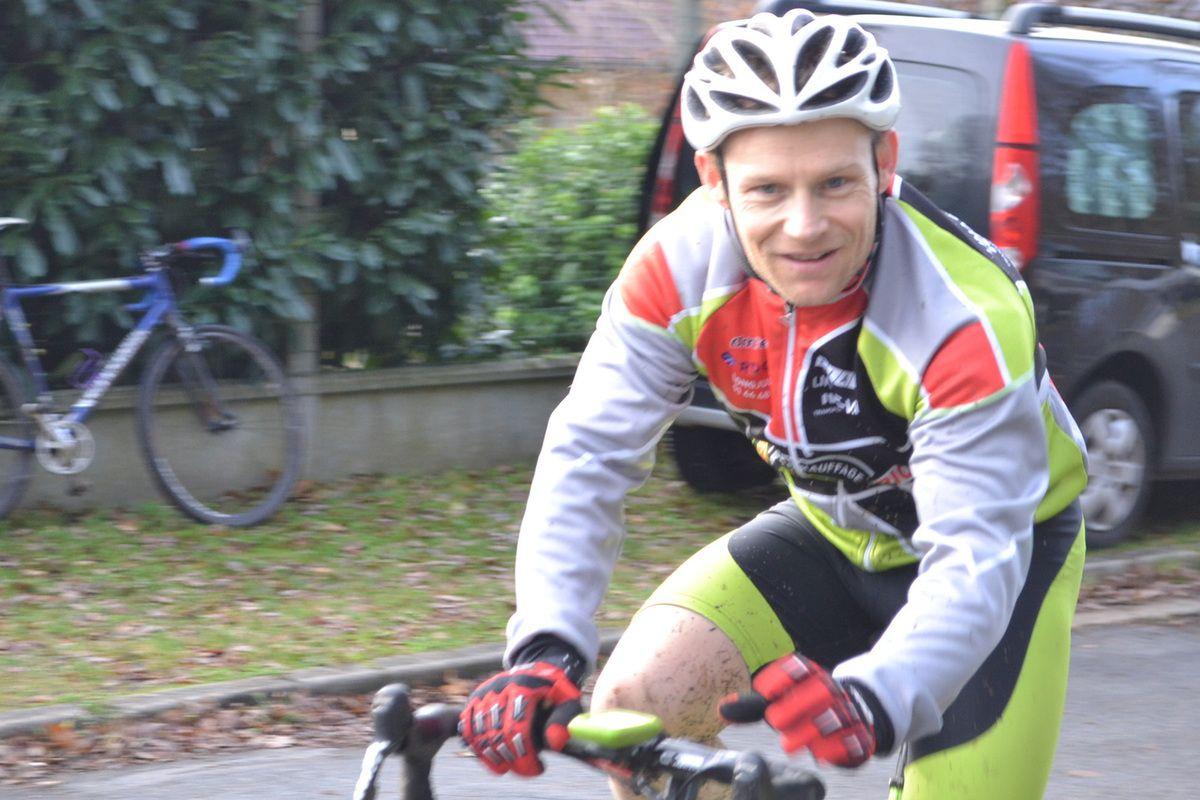 Echauffement et après course pour Philippe ORSATONI (EC Morsang)