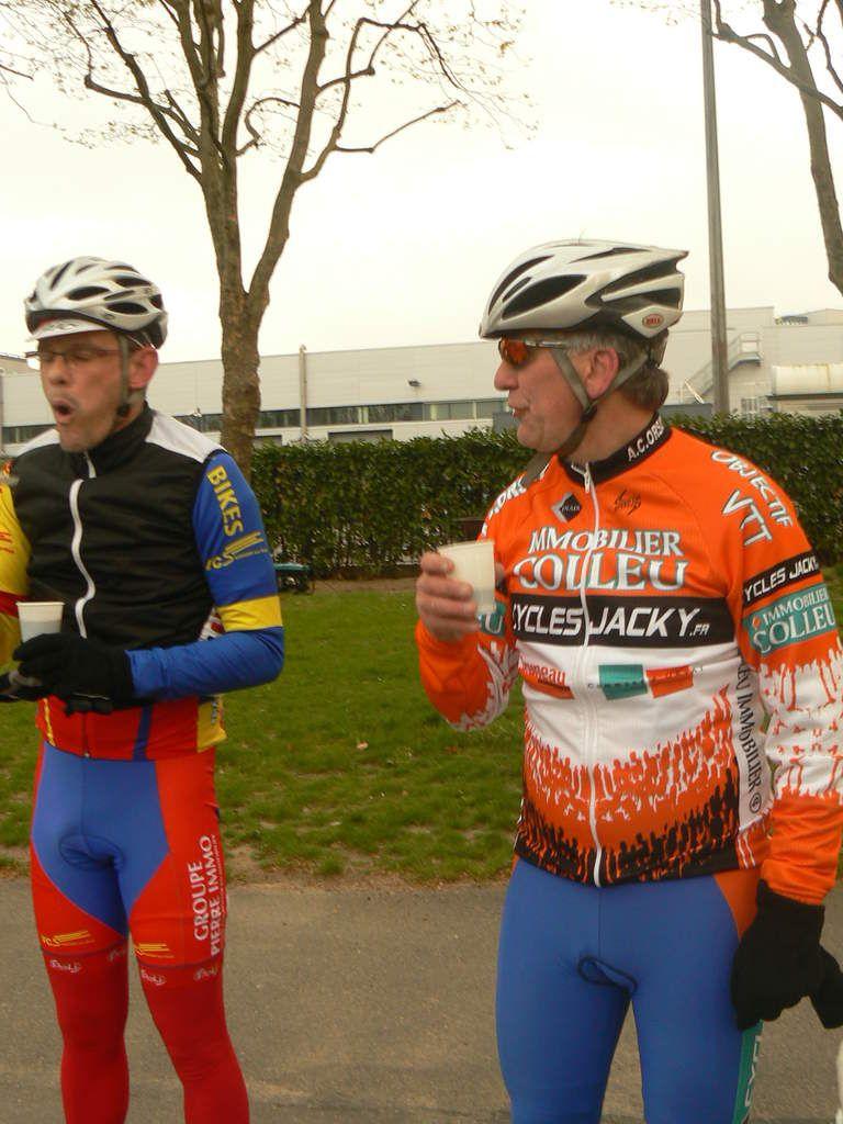 René Normand et Arnaud Wolferberger (VCS) à Clamart (92) en avril 2012.