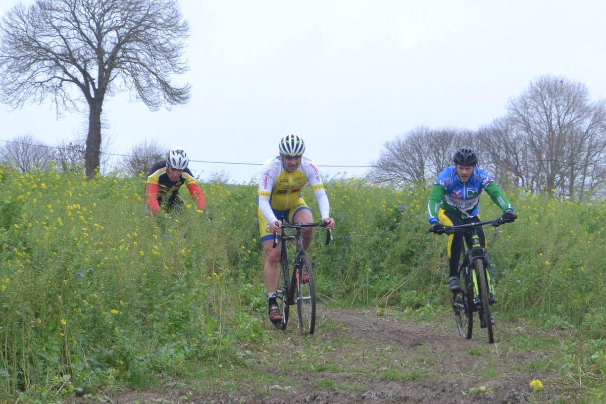 Championnat des Côtes d'Armor de Cyclo-Cross FSGT: Pléven (22), 9 décembre 2018