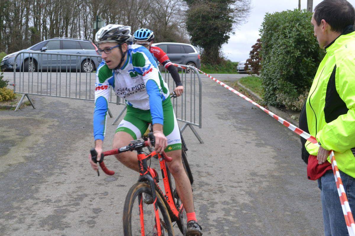 Jean-Marie GOUYA (Team Pays de Dinan), qui terminera 2è en séniors.