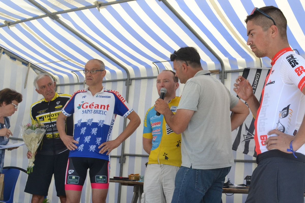 """4"": podium et interviews"