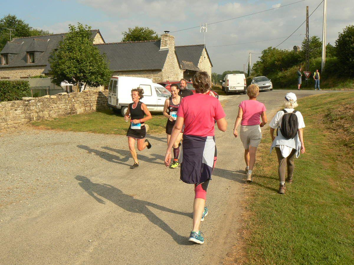 Nous croisions les coureurs lors de la rando : parcours à l'envers.