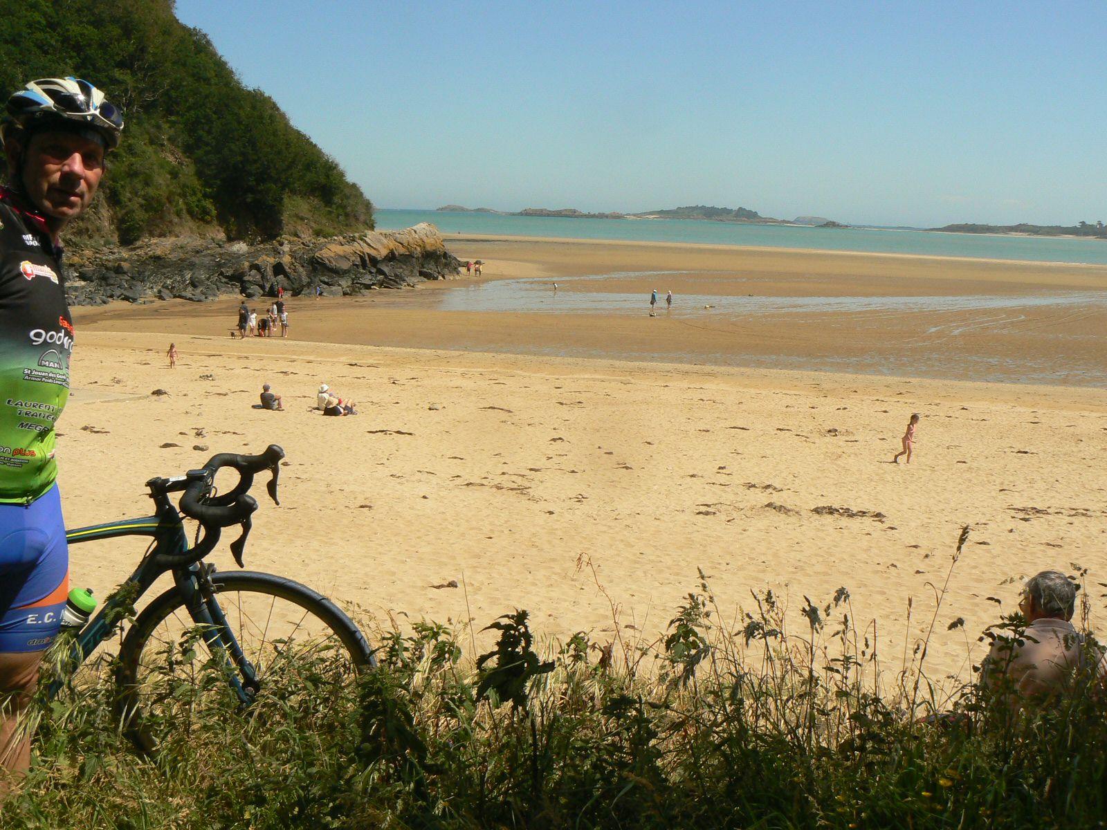 et LUNDI 1er juin aux 4 Vaux en vélo: sortie de 60km.
