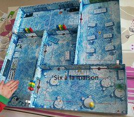 Ice Cool est un jeu de Brian Gomez et paru chez Brain Games Le manchot surveillant essaie d'attraper les garnements