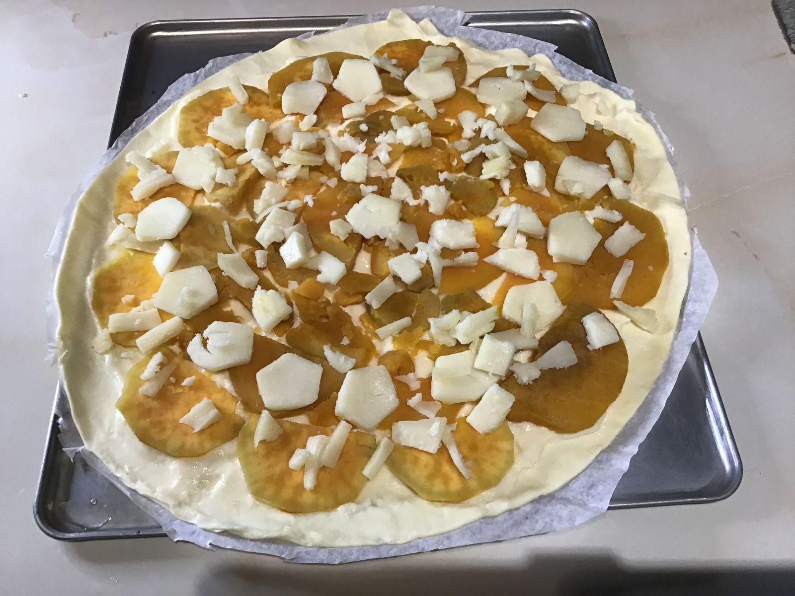 Tarte fine patates douce, fromage de brebis.