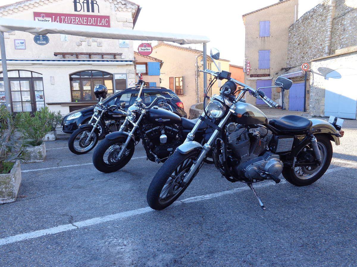 Harley Davidson 883 carbu : balade à moustiers Sainte-Marie et Sainte-Croix le 21/12/14