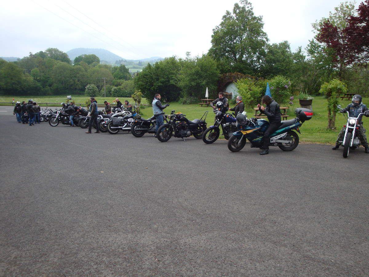 Rassemblement motard à Saint Rémy de Blot ( Auvergne )