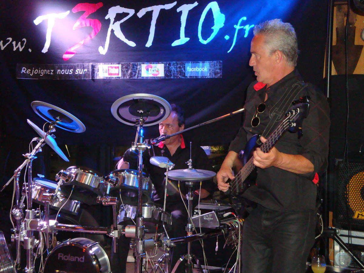 concert du groupe POP ROCK T3RTIO à la pataterie de Manosque
