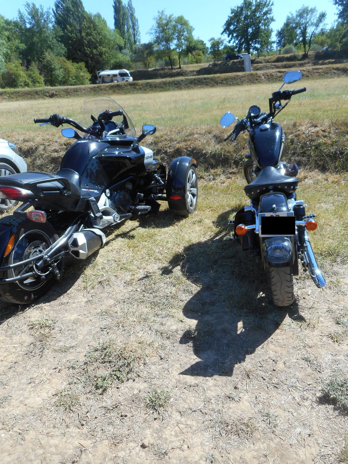 Cotignac et Les chutes du Grand Baou en Harley Davidson