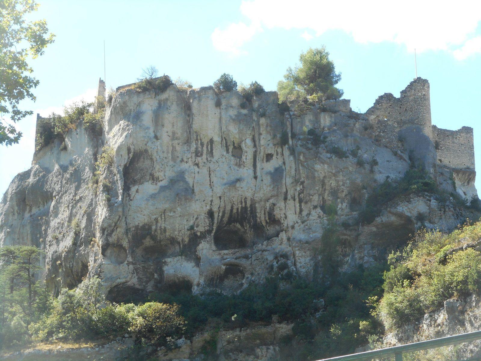 Fontaine de Vaucluse et L'Isle sur Sorgue en Harley Davidson