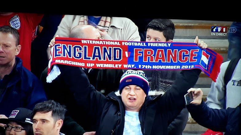 Le Prince William, James Cameron (photo du haut) et un supporter anglais (photo du bas)