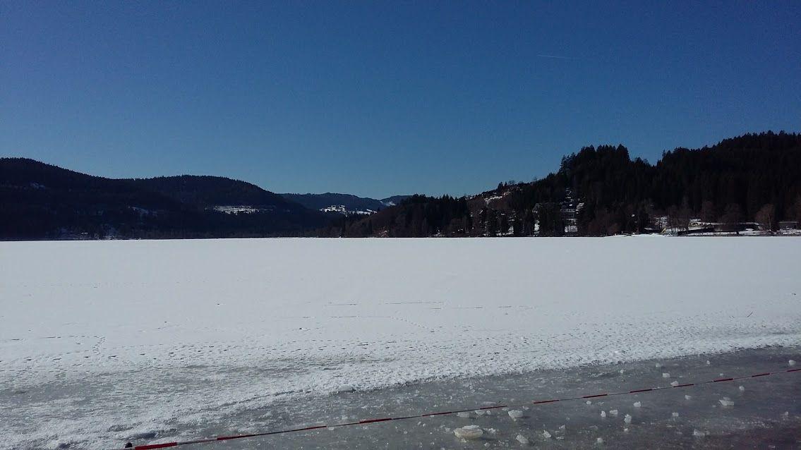 Ballade à pieds sur lac