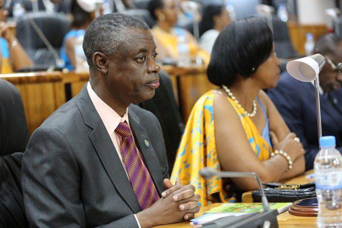 Rwanda : Gen. Kabarebe yanenze abayobozi bahora biteguye guhunga u Rwanda
