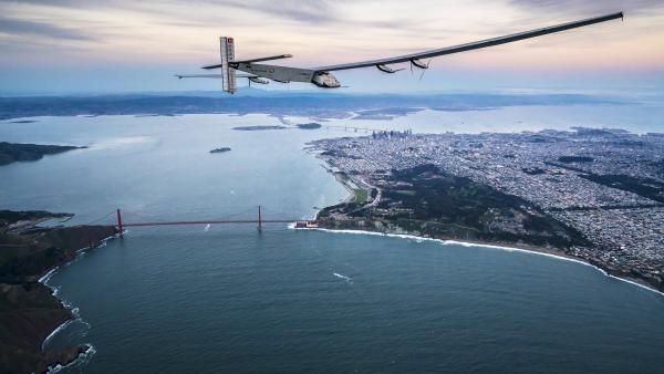 L'avion Solar Impulse 2 est de retour au sol