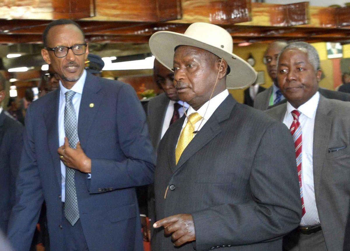 Rwanda-Uganda : Kagame yasabye Museveni kwicisha inzara impunzi z'Abanyarwanda amutera utwatsi