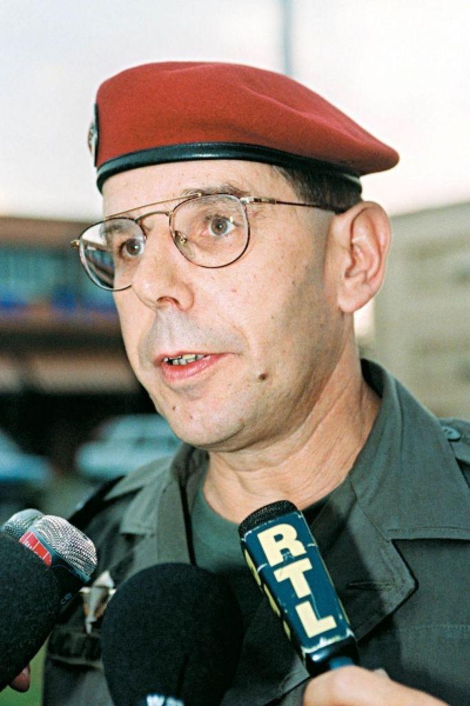 Le Général Jean-Claude Lafourcade, commandant de l'opération « Turquoise »,  parlant du livre de Guillaume Ancel : « Ces témoignages sont une ineptie »