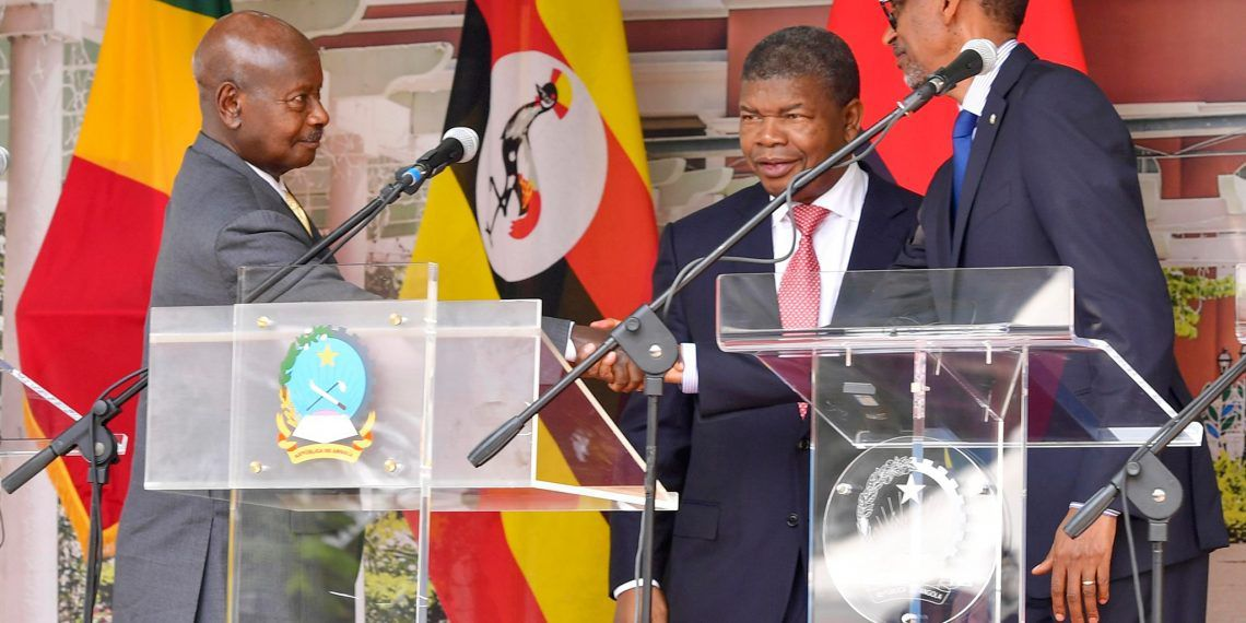 The two Presidents renewed their friendship in Angola