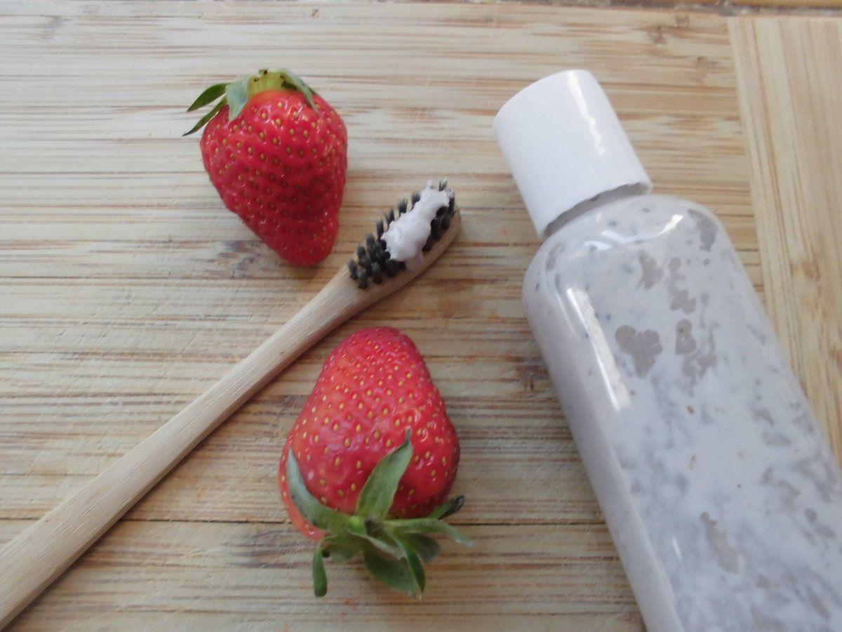 Dentifrice pour tout petits entièrement alimentaire aux fruits