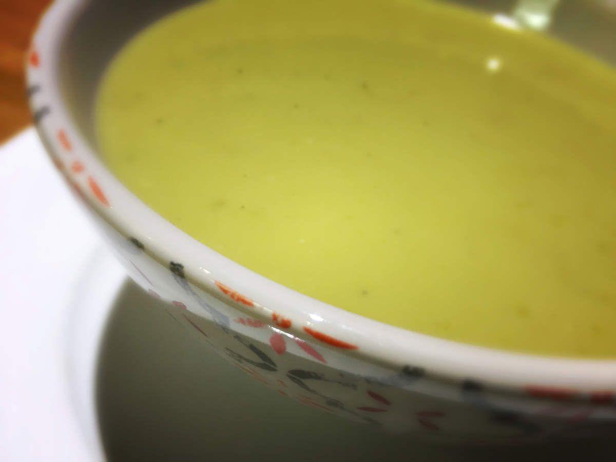 Soupe délicieuse de pois cassés