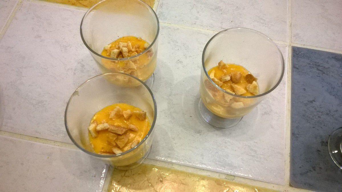 CRÈME DESSERT A L'ORANGE ( sans lactose ni gluten) BISCUITÉE AUX GALIPOTES....