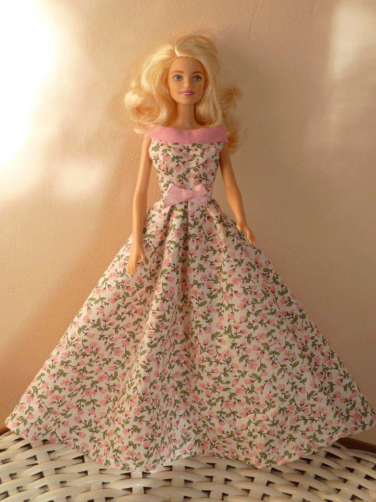 robe du longue d'après midi rose et fleuri coton 20€ RESERVEE