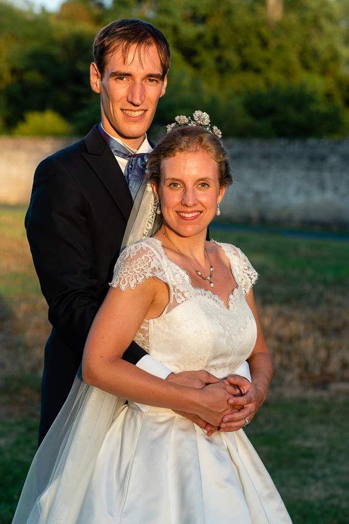 Robe Eléonore en satin grande duchesse et dentelle de Calais Jour J