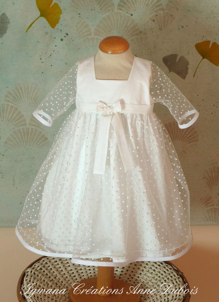 robe de baptême Blanche manches longues et non décolettée