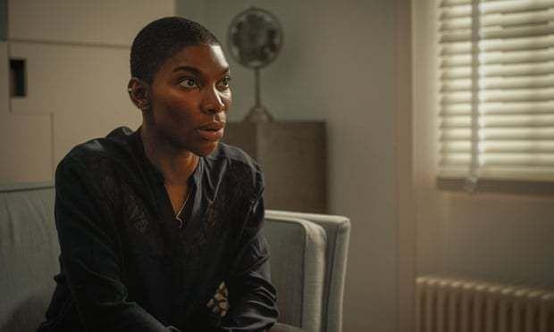 Critiques Séries : Black Earth Rising. Saison 1. Episode 1 (UK)