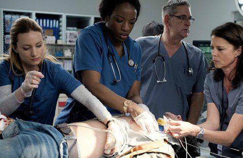 Critiques Séries : Transplant. Saison 1. Pilot (Canada)