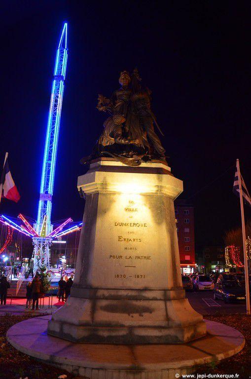 Noël à Dunkerque-Animations Place de la République .