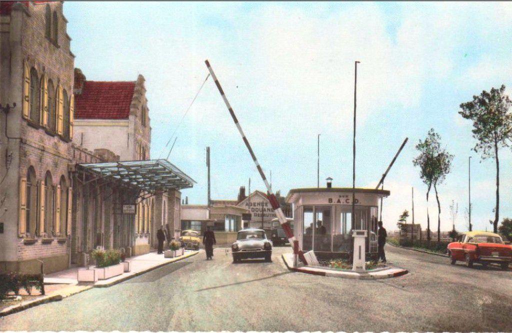 ( 24 )  Ghyvelde-Les Moëres Cartes Postales Anciennes .
