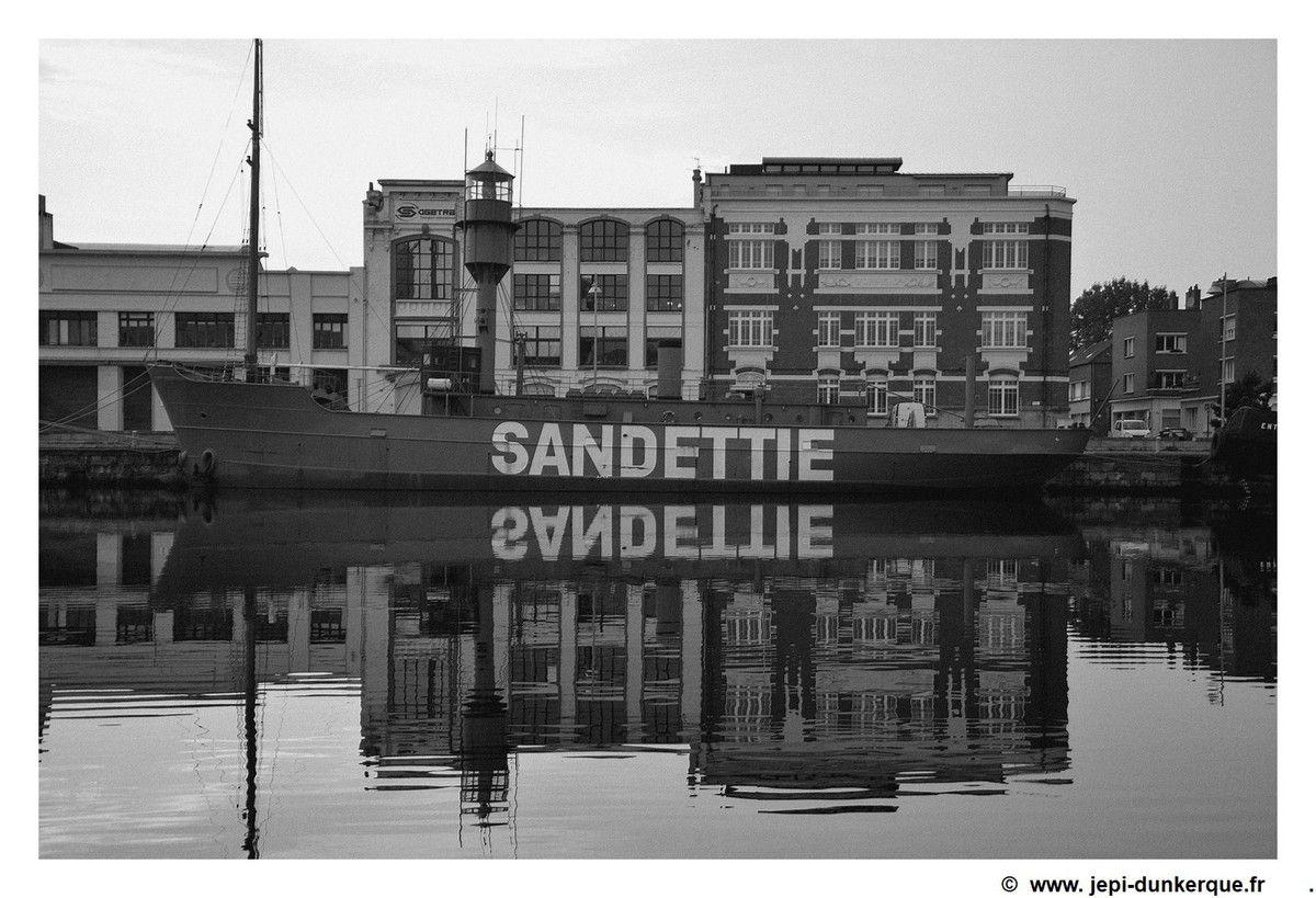 Dunkerque en noir et blanc-Dunkirk in black and white Novembre 2017 .