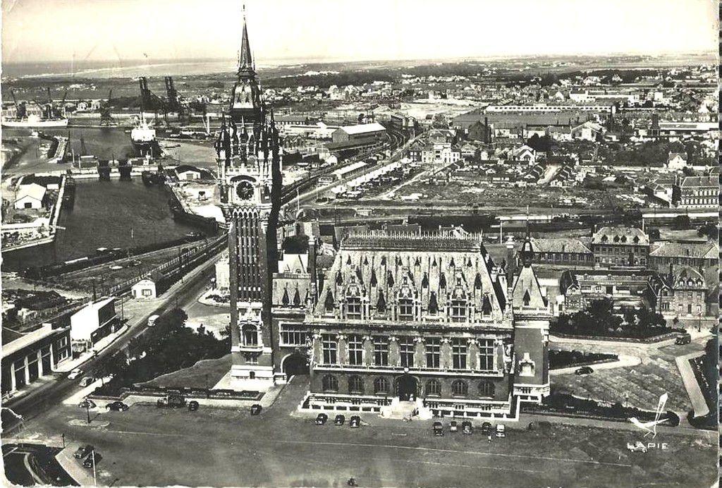 (A1) Cartes Postales Anciennes Calais Hôtel de Ville