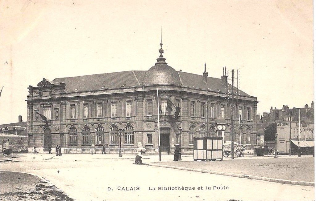 (A2) Cartes Postales Anciennes de Calais Les Monuments