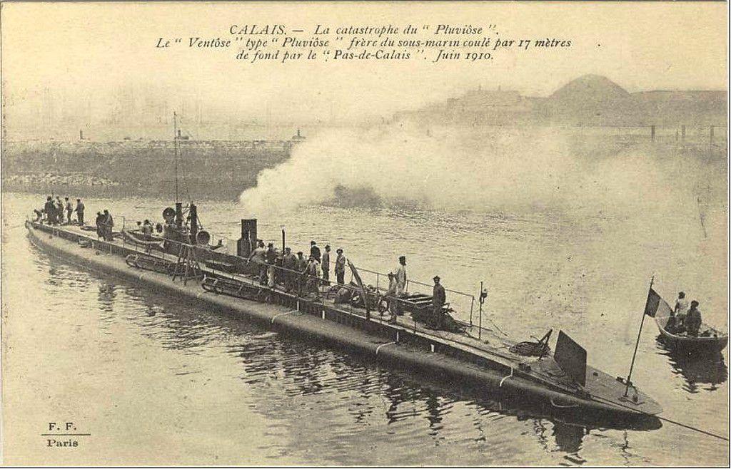 (A6) Cartes Postales Anciennes Sous-marin Pluviose