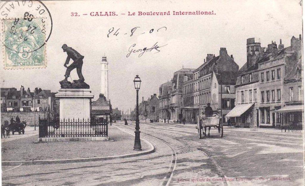 (A13) Cartes Postales Anciennes Calais La Pêche et Folklore