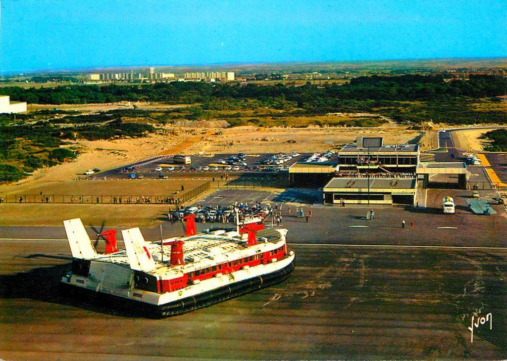 (A12) Cartes Postales Anciennes Calais Hoverport