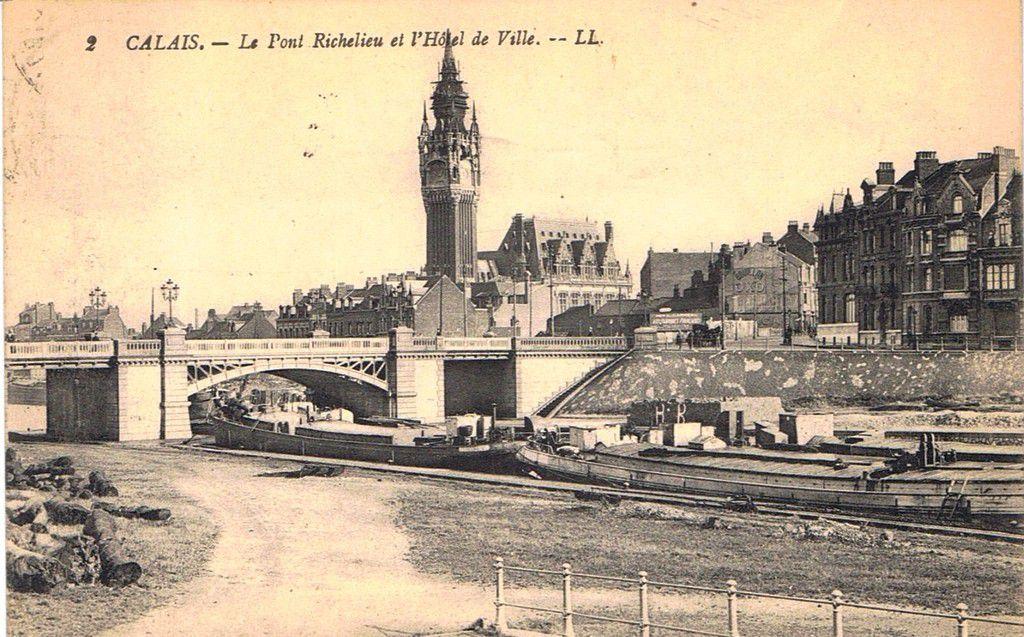 (A11) Cartes Postales Anciennes Calais Les Ponts et Canaux