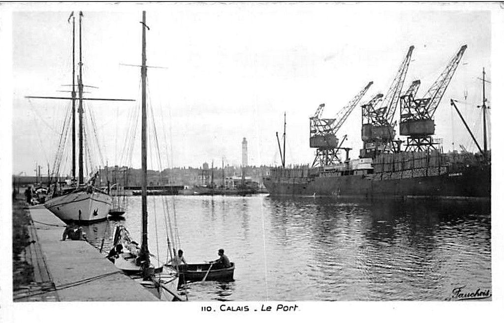 (A15) Cartes Postales Anciennes Calais Le Port