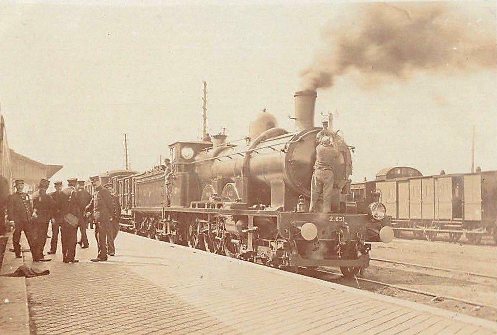 (A17) Cartes Postales Anciennes Calais la Gare