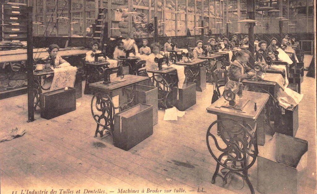 (A21) Cartes Postales Anciennes Calais La Dentelle