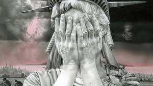 """""""La Liberté qui pleure"""" ou encore """"Oh America"""", une statue de Gee Vaucher que cette artiste britannique a réalisée en 1989."""