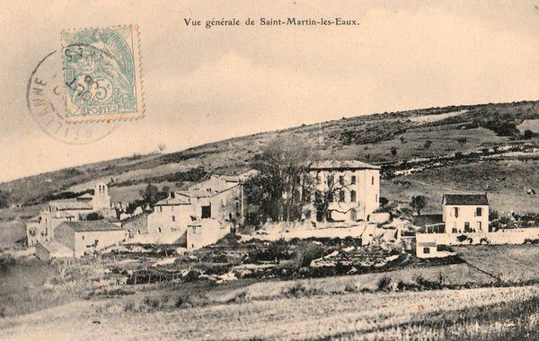 St. Martin-les-eaux et son église en 1906. Photo Duplan-Manosque