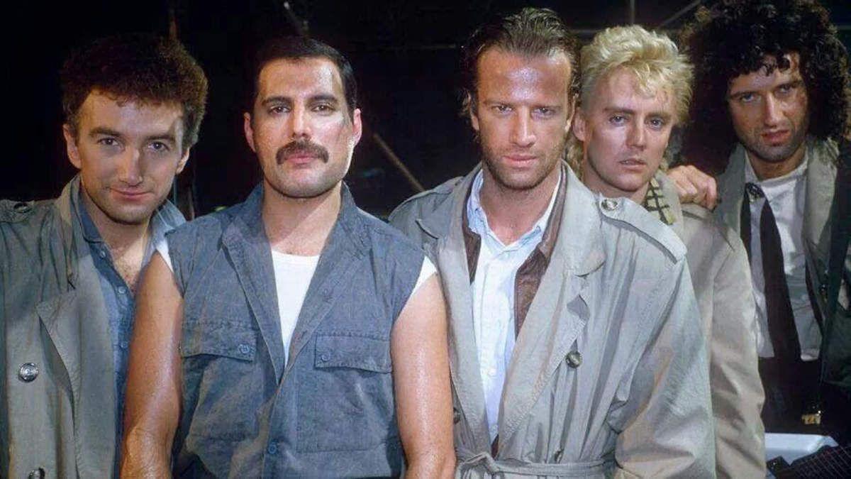 Highlander : Christophe Lambert se souvient de sa rencontre avec Freddie Mercury et le groupe Queen