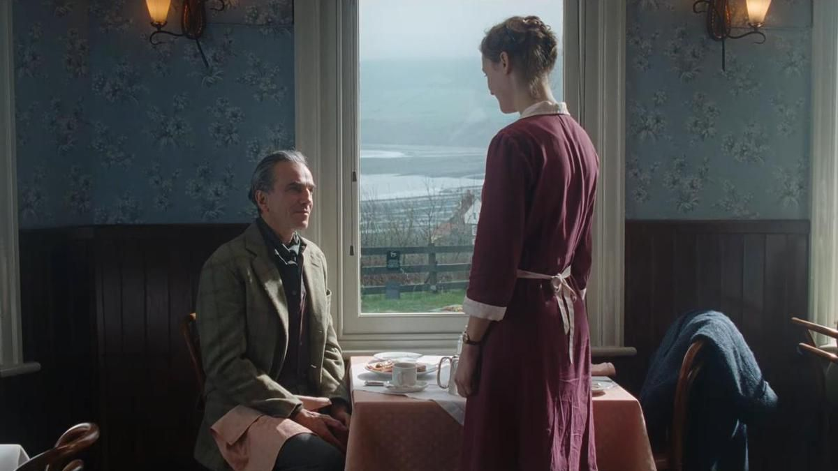 "CRITIQUE: ""PHANTOM THREAD"""