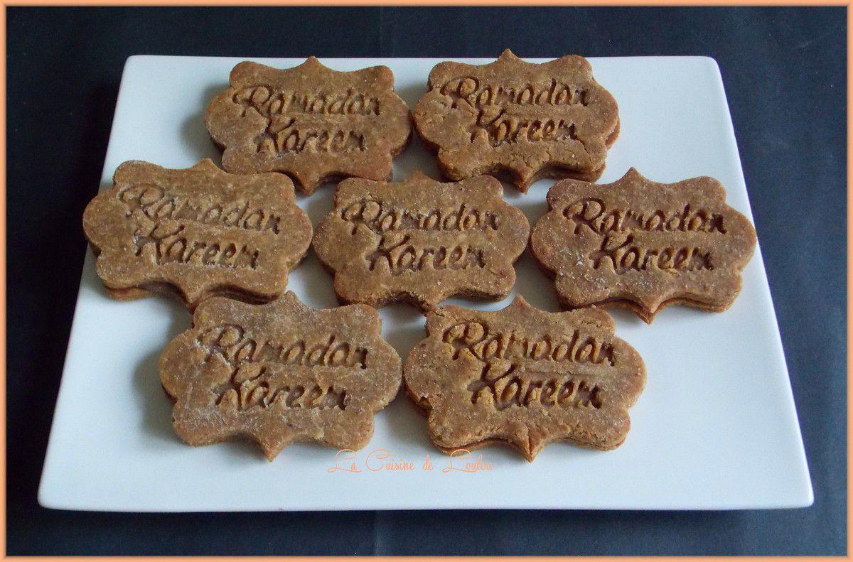 Biscuits cacahuètes fourrés chocolat au lait