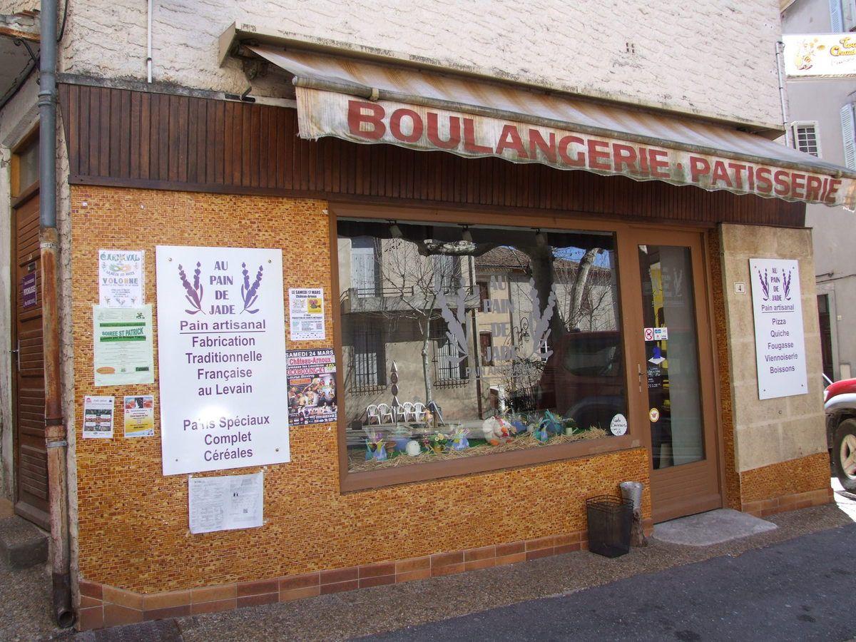 les deux dépôts de pain de VOLONNE  + article diffusé dans la Provence du 23 mars