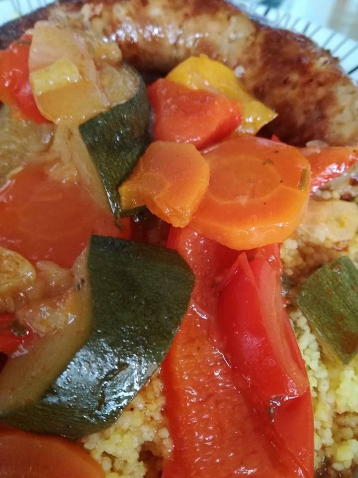 ratatouille a ma façon semoule de couscous mixte  saucisse